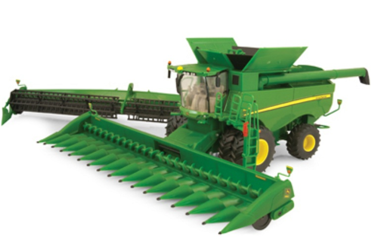 This collectible replica named John Deere S690 Combine 1:32 Die-Cast features officially licensed packaging by ERTL John Deere.