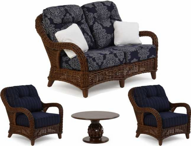 Antigua Loveseat Set