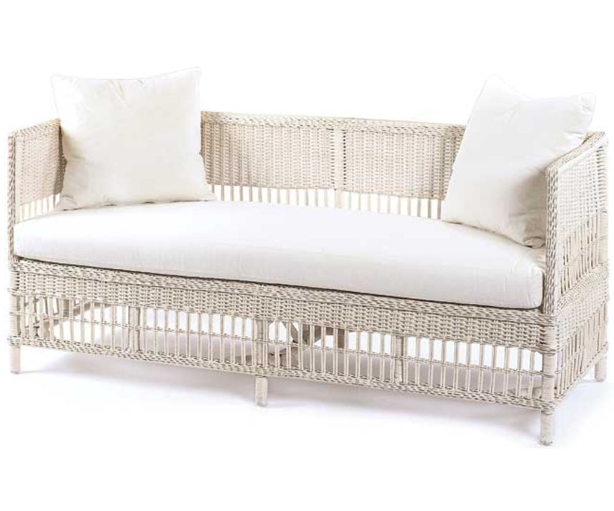 Vineyard�s Wicker Daybed