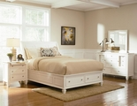 Sandy Beach White Wood Eastern King Bed Set