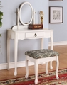 Quilla Vanity With Stool