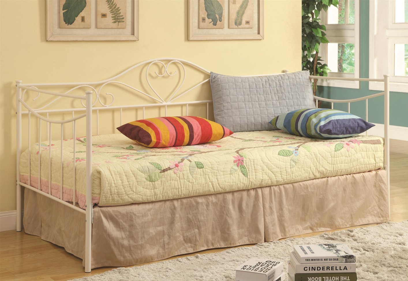 white metal twin size day bed