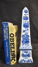 Blue and white porcelain obelisk