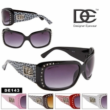Designer Eyewear DE143 Designer Wholesale Sunglasses (Assorted Colors)