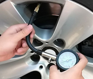 Car Tyre Pressure Gauge (with Release Valve)
