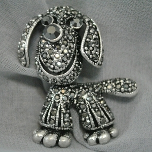 Dog Brooch with studded Crystals
