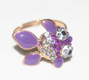 'Goldfish' Crystal Ring (Purple Color)