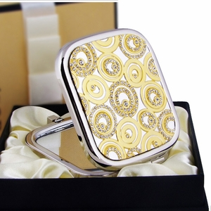 Magic Crystal Circles Design - Compact Cosmetic Makeup Mirror