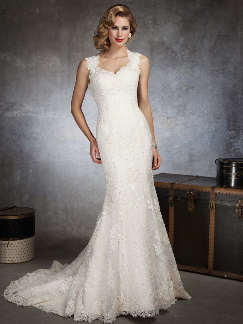 Lace Form Fitting Wedding Dresses