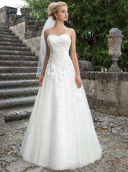 Sincerity 3906 Queen Anne Wedding Dress