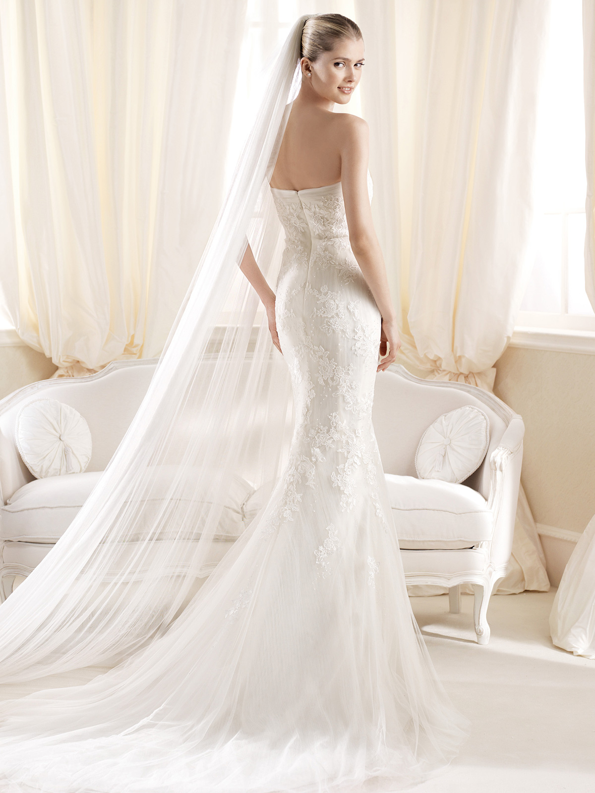 y Strapless Wedding Dresses Viewing Gallery