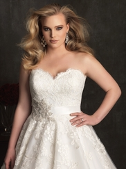 Sweetheart Laced Bridal Gown Allure Women W320