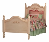 Cape Cod Bed with Bows