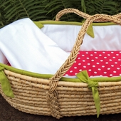 White Collection Moses Basket in Lawn