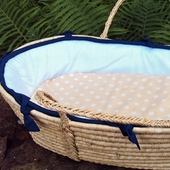White Collection Moses Basket in Navy