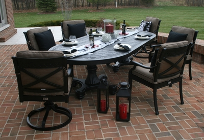 �The Moncler Collection 6-Person All Welded Cast Aluminum Patio Furniture Dining Set