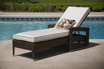 The Sposa Collection All Weather Wicker Patio Furniture Chaise Lounge