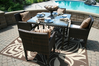 The Via Collection 4-Person All Weather Wicker Patio Furniture Dining Set