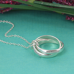 Set of Personalized Couples Interlocking Rings Necklace in Sterling Silver