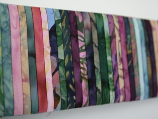 http://ep.yimg.com/ay/yhst-132146841436290/bali-pops-fabric-strip-bundle-parfait-6.jpg
