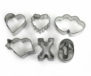 http://ep.yimg.com/ay/yhst-132146841436290/cookie-cutter-mini-romance-set-8.jpg