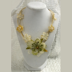 Cream Beauty Necklace