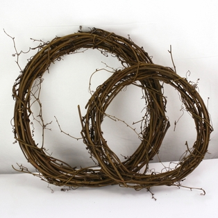 http://ep.yimg.com/ay/yhst-132146841436290/grapevine-wreath-2-pack-set-18-and-13-inch-6.jpg