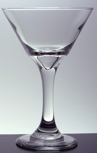 http://ep.yimg.com/ay/yhst-132146841436290/martini-glass-7-5oz-clear-2.jpg