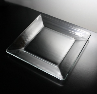 http://ep.yimg.com/ay/yhst-132146841436290/plate-10in-square-clear-glass-2.jpg