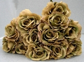 Queen Rose Spray - 28in - Pkg of 12 - Beige