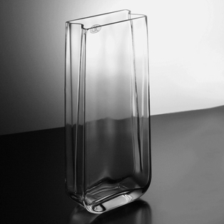 http://ep.yimg.com/ay/yhst-132146841436290/vase-13in-clear-glass-2.jpg