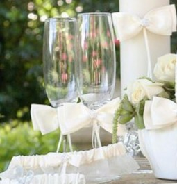 http://ep.yimg.com/ay/yhst-132146841436290/white-sequin-flower-flutes-cake-knife-and-server-set-2.jpg