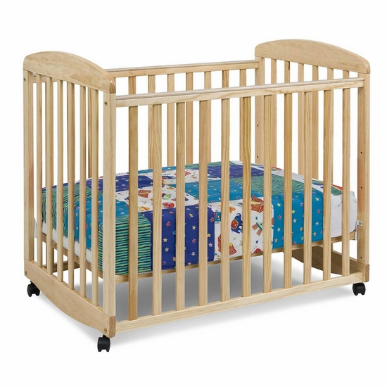 Alpha Natural Mini Rocking Crib by DaVinci - Click to enlarge