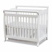 Emily White Mini 2 in 1 Convertible Crib by DaVinci