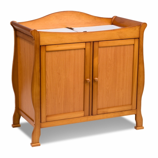 Parker Oak 2 Door Changer by DaVinci - Click to enlarge