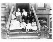 Stoop of 102 Rodney St 1903