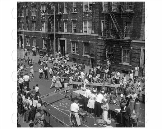 Brownsville Powell Street with servers 1958