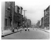 Children at play in the streets of Williamsburg 1918