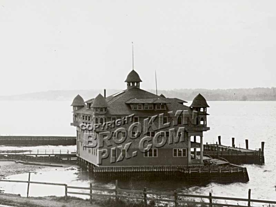 Crescent Atlantic Club Boat House _ Shore Road, looking south, 1905