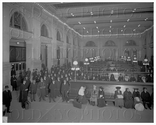 Grand Central interior with passengers waiting 1904