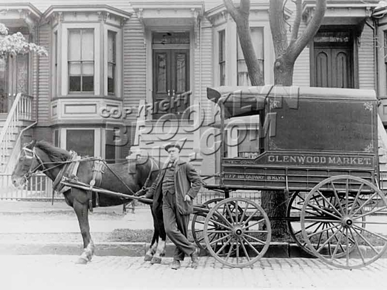 Horse-drawn delivery wagon, 1910