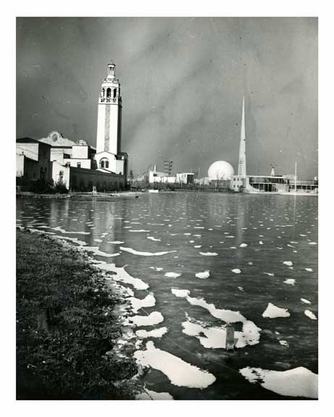 January 1940 at the Worlds Fair - Flushing - Queens - NYC
