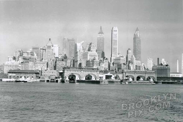 Lower Manhattan in the '40s with old Staten Island Ferry house
