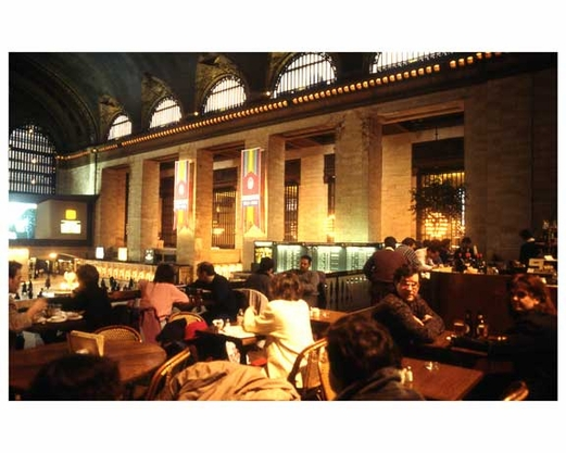 People dining inside of Grand Central Station 1988