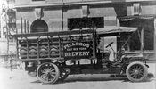 Piel Brothers chain-driven delivery truck, c.1915