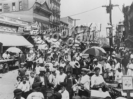Pushcart Market, Belmont and Thatford Avenues, early 1900s