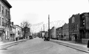 Reeve Place looking east from Prospect Avenue, 1928