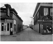 Scovils walk, looking from Surf Ave to the boardwalk 1922