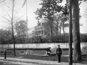 Spanish guns and Commandant's Residence, Navy Yard c.1905