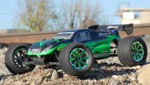 NEW Exceed RC 1/8th MadWarrior 2.4 GHz Nitro RC Truggy w/ .21 Gas Engine RTR for Beginners [Star Green]